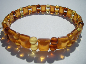 Faceted amber bracelet - round and faceted beads