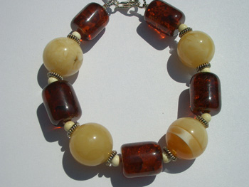Fancy amber bracelet - round amber beads
